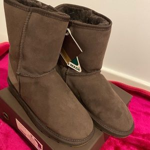 Brand new Ugg boot size 7
